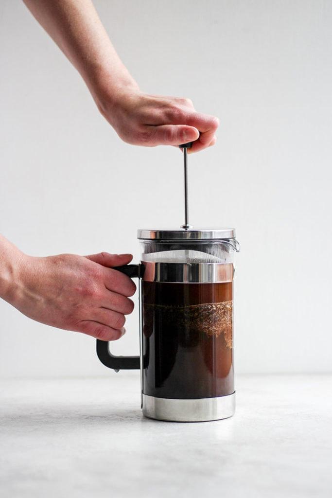 درست کردن قهوه با فرنچ پرس